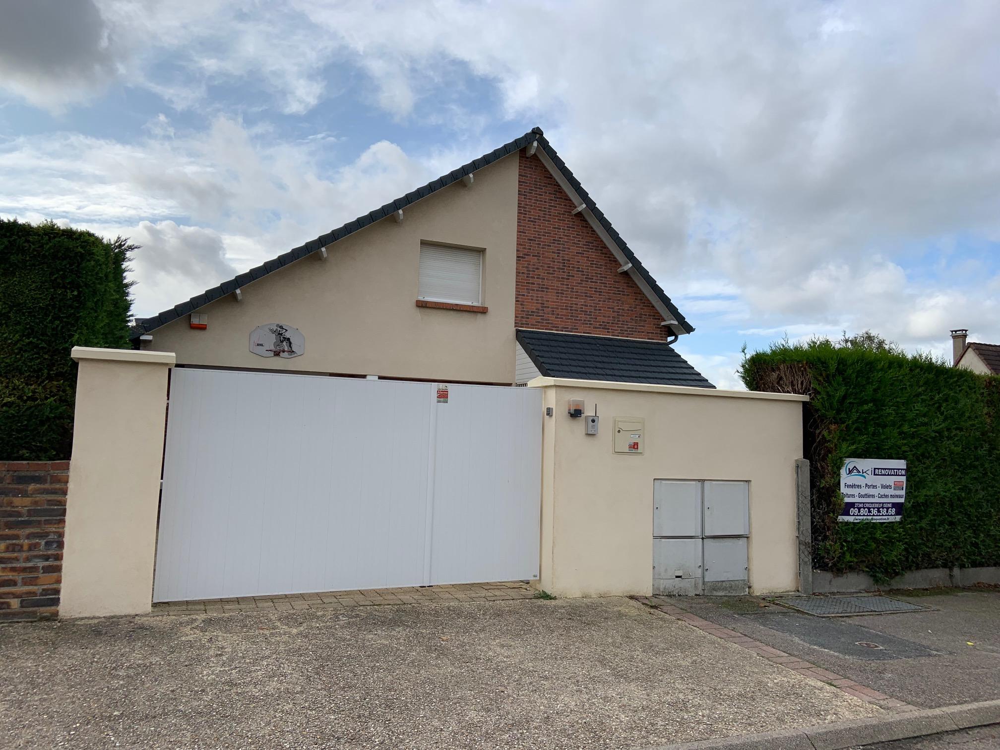 Portail Inox Gainé PVC à Petit Couronne (Rouen sud)