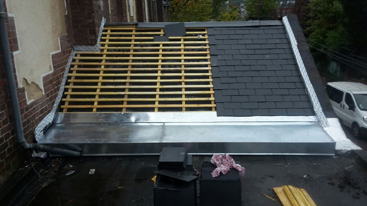 Remplacement de toiture en ardoises naturelles à Rouen centre