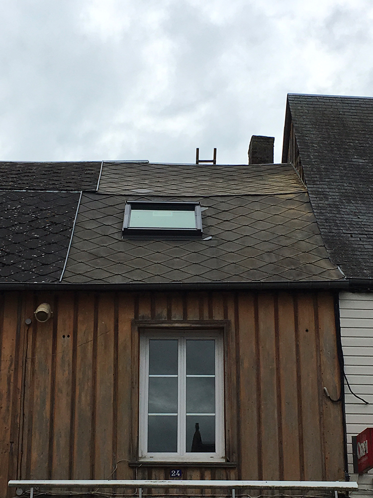Remplacement d'une fenêtre de toit de marque à thiberville (27)