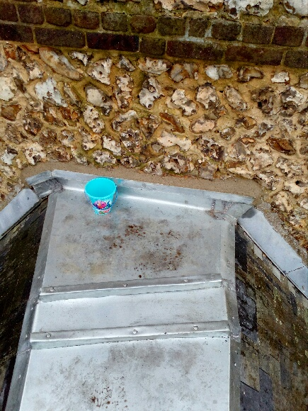 Réparation d'une couverture en ardoise naturelle suite à la tempête à Grand Couronne