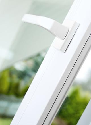 Fenêtres, volets, portes d'entrée, persiennes